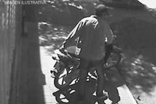 robando-moto