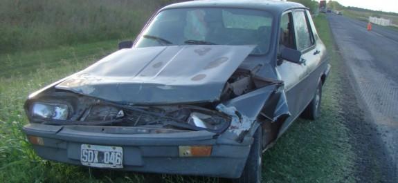Renault 12 accidente
