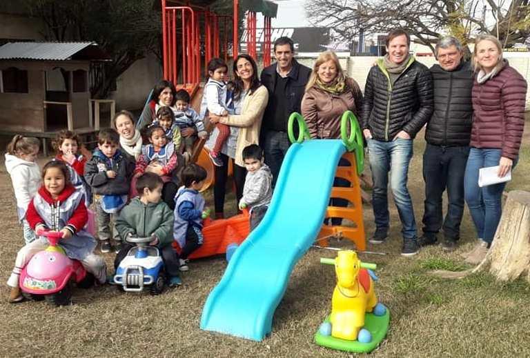 Entrega de juegos infantiles a Jardines de Infantes | Diario ...