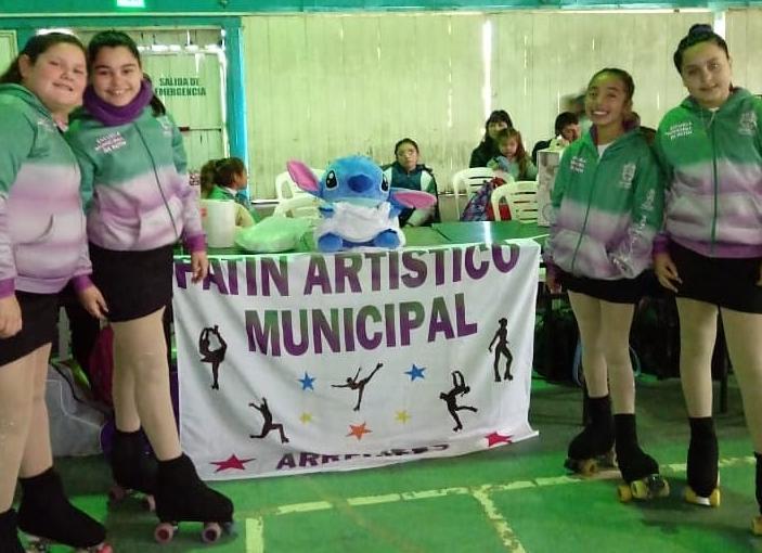 La Escuela Municipal de Patín Artístico se presentó en Pergamino