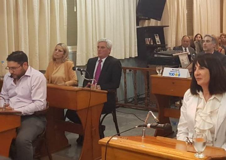 """BOLINAGA: """"LA DOCUMENTACIÓN DE LAS BECAS NO APARECE PORQUE NO LA PUEDEN PRESENTAR"""""""