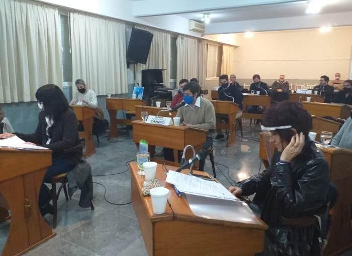 EL PEDIDO DE COLECTIVOS PARA VIÑA TERMINÓ EN CRÍTICAS AL PRESIDENTE