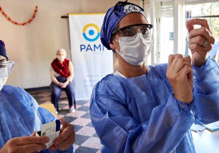 PAMI termina de completar la vacunación en geriátricos privados