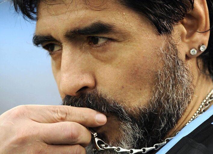 """Con el """"lapidario"""" informe médico, la causa avanza hacia el """"homicidio con dolo eventual"""" de Maradona"""