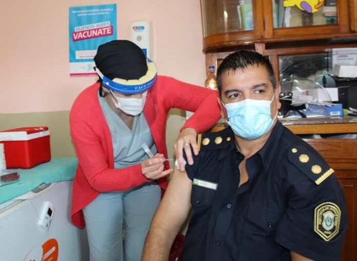 Vacunación contra la gripe al personal policial