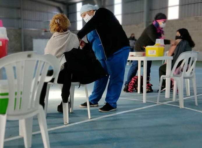 La vacunación contra el Covid sale a los barrios